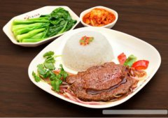 <b>美滋美中式快餐加盟,用健康美味俘获消费者的</b>